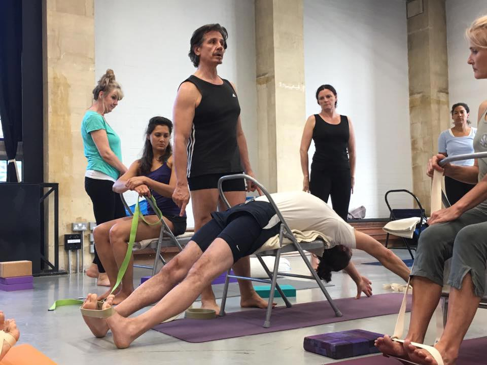 Gav Tilstone teaching Iyengar Yoga to his students